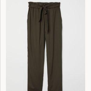 H&M Green PaperBag Tie Pants